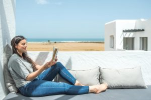 Terasse dans un appartement vue sur mer à Mansouria Beach Resort