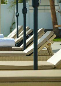 Transat de piscine à Mansouria Beach Resort Mohammedia Bouznika