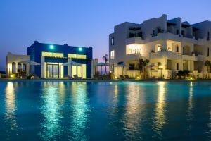 Résidence Mansouria Beach Resort en soirée